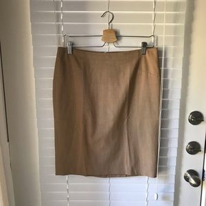 The Limited Pencil Skirt / tan nude